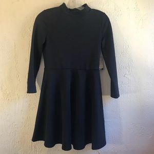 Free people size s Nwt mock neck black sleeved Drs